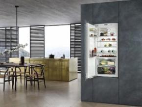 vgradni hladilnik z zamrzovalnikom